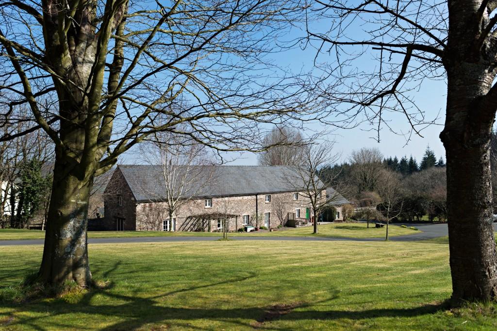 Hendre Cwrt Parrys Property